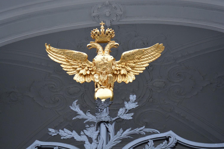Орлы на главных воротах Государственного Эрмитажа